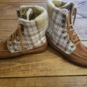 Sperry Plaid sequence boots